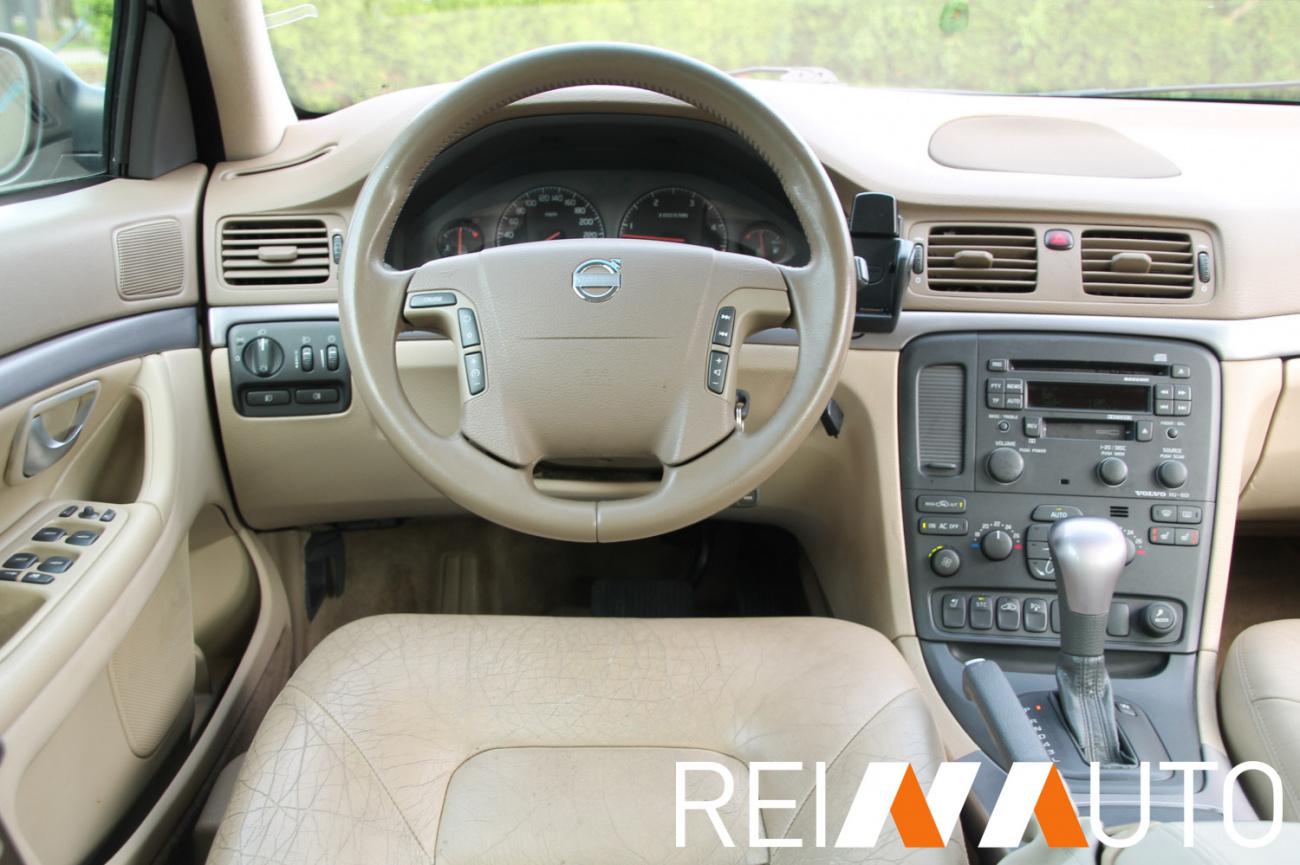 Volvo XC90 Momentum Toscana Tan